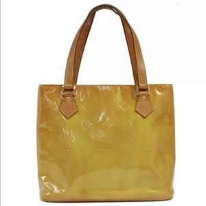 Lovely authentic Louis Vuitton Houston Vernis Bag